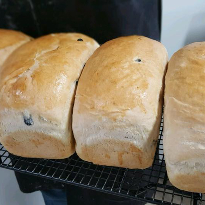 breads-page-blk-olive-rosemary